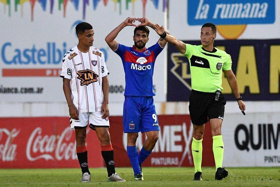 Emanuel Dening debe decidir entre Tigre o Europa - La Red ...
